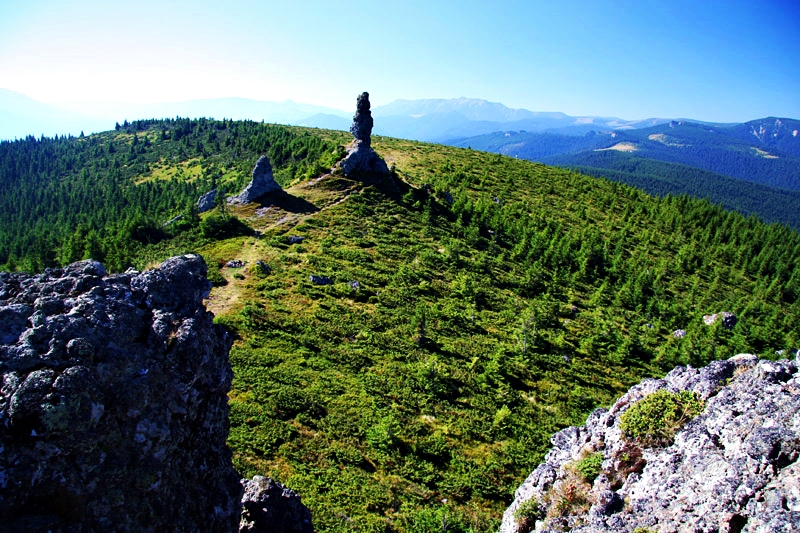 Transraraul si drumetii in muntii Calimani si Rarau