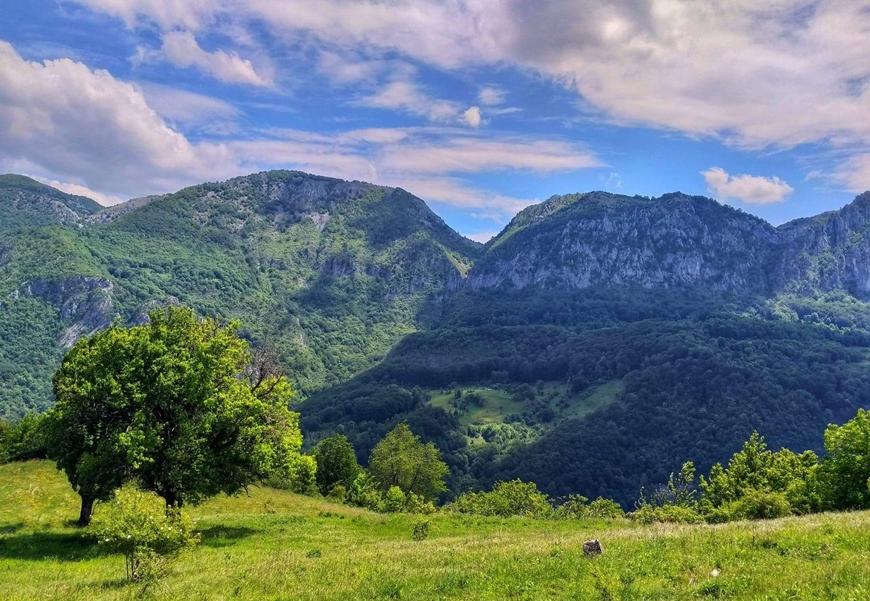 Cazanele-Dunarii si satele-din-muntii-Cernei